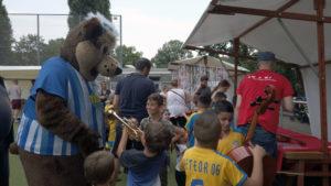 Herthinho von Hertha BSC zu Gast beim Suommerfest